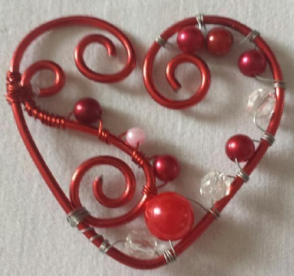 Bingen vhs: Schmuck aus Draht und Perlen selbst basteln - 9-14 Jahre